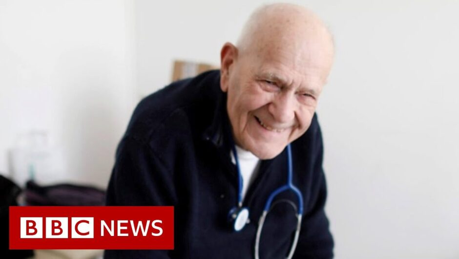Coronavirus: 98-year-old doctor working through the lockdown – BBC News